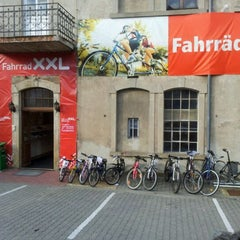 Photo taken at Fahrrad-XXL Emporon by Coachforyou on 11/8/2011
