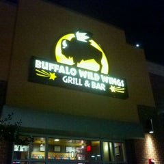 Photo taken at Buffalo Wild Wings by Robert D. on 10/5/2011