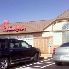 Photo taken at Chick-fil-A by Talia D. on 12/17/2011