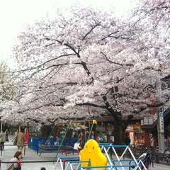 Photo taken at 市ヶ谷御門橋台の石垣石 by T056161k0 H. on 4/10/2012