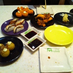Photo taken at Sakae Sushi by Daniel on 7/30/2011