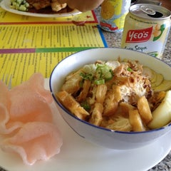 Photo taken at Bintang Cafe by Galang H. on 11/30/2011