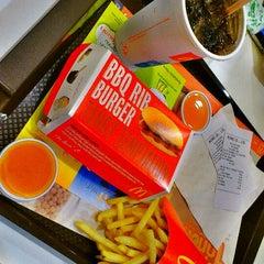 Photo taken at McDonald's (แมคโดนัลด์) by AYz R. on 9/12/2011