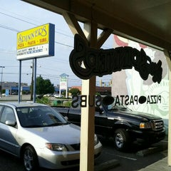 Photo taken at Spinner's Pizza by Ottis W. on 6/20/2011