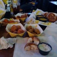 Photo taken at Buffalo Wild Wings by Scot C @. on 1/8/2012