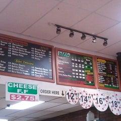 Photo taken at Festa Pizzeria by Ermelinda T. on 12/21/2011