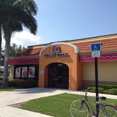 Photo taken at Taco Bell by Andreina D. on 6/30/2012