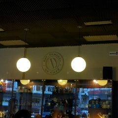 Photo taken at Establecimiento General de Café by Gabriel C. on 9/3/2012