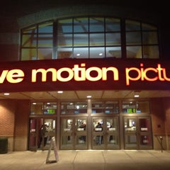 Photo taken at Rave Motion Pictures by Daniel U. on 4/1/2012