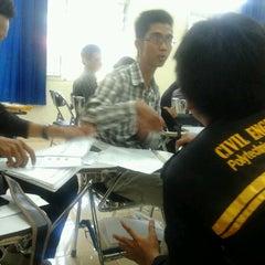 Photo taken at Politeknik Negeri Padang by Dery E. on 6/25/2012
