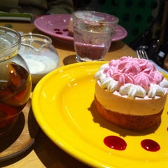 Photo taken at ダッキーダック ルミネエスト新宿店 by hagisquare on 3/15/2012