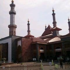 Photo taken at Masjid Raya At Taqwa Kota Cirebon by Oos D. on 7/10/2012
