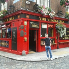 Photo taken at The Temple Bar by Jéferson D. on 7/27/2012