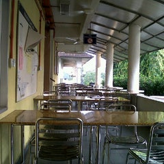 Photo taken at Fakulti Pengurusan Hotel & Pelancongan by A Sofian A. on 3/10/2011
