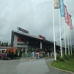Photo taken at Hesburger HeseStoppi by Mika Y. on 7/14/2012