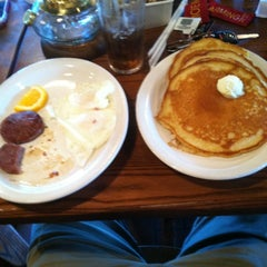 Photo taken at Cracker Barrel Old Country Store by Sean M. on 5/25/2012