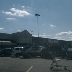 Photo taken at Walmart Supercenter by Guy T. on 8/14/2011