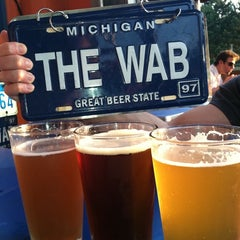 Photo taken at Woodward Avenue Brewers by Nick D. on 5/31/2011