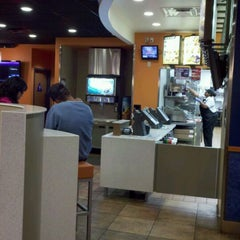 Photo taken at Taco Bell by Ben A. on 1/14/2012
