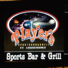 Photo taken at Players Sportsbar & Grill by Harold C. on 1/27/2012