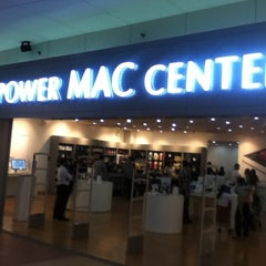 Photo taken at Power Mac Center by Ralph D. on 7/31/2012