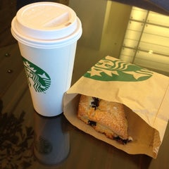 Photo taken at Starbucks by Johannes K. on 6/26/2012