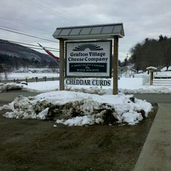 Photo taken at Grafton Village Cheesemaking Plant by Xmas on 3/4/2012