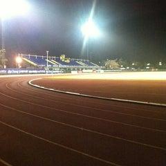 Photo taken at สนามกีฬาจังหวัดพระนครศรีอยุธยา by Tanly on 5/15/2012