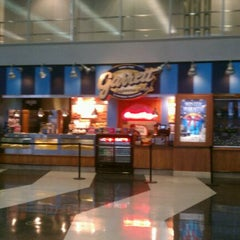 Photo taken at Garrett Popcorn Shops by Bart L. on 12/30/2011