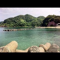 Photo taken at 諸寄海岸 by pirokichi0819 on 8/26/2012