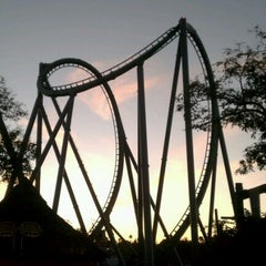 Photo taken at The Incredible Hulk Coaster by Artagus N. on 1/15/2012