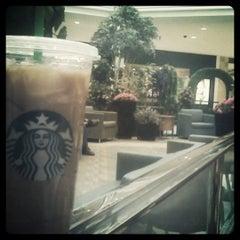 Photo taken at Starbucks by Watty W. on 3/31/2011