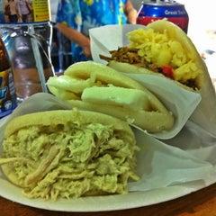 Photo taken at Antojos Araguaney Gourmet by Tulio H. on 8/4/2011