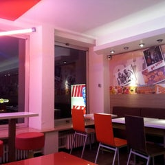 Photo taken at Kentucky Fried Chicken by Nadhirah H. on 9/9/2012