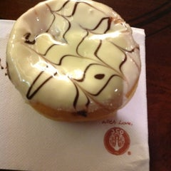 Photo taken at J.Co Donuts & Coffee by Tun Teja T. on 5/20/2012