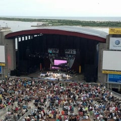 Photo taken at Nikon at Jones Beach Theater by Mark J. on 6/24/2012