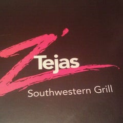 Photo taken at Z'Tejas by Kevin R. on 10/28/2011