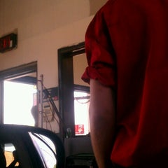 Photo taken at Valvoline Instant Oil Change by Charmane H. on 7/17/2012