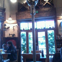 Photo taken at Café Patagonia by Fabiola G. on 8/24/2012
