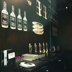 Photo taken at Another Hound Café (อนาเธอร์ฮาวด์ คาเฟ่) by Petchy S. on 7/31/2012
