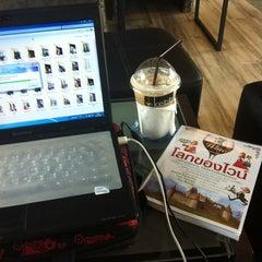 Photo taken at Kebb Café by Yingrak C. on 2/1/2012