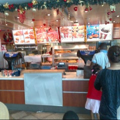 Photo taken at KFC by Reservation Ro on 1/1/2012
