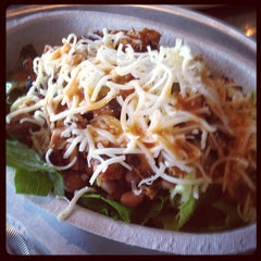 Photo taken at Chipotle Mexican Grill by Elrick E. on 8/5/2012