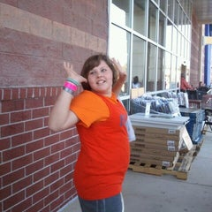 Photo taken at Bed Bath & Beyond by Laura L. on 10/30/2011