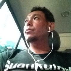 Photo taken at คิวรถตู้ BH (BH Van Stand) by Sakorn on 7/31/2012