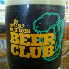 Photo taken at Mellow Mushroom by Nikki M. on 6/21/2012