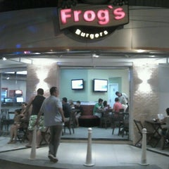 Photo taken at Frog's by Cláudio A. on 9/8/2012
