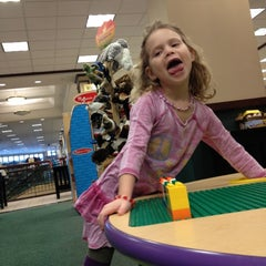 Photo taken at Barnes & Noble by Meredith K. on 2/13/2012