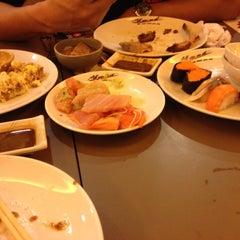 Photo taken at Oishi Buffet (โออิชิ บุฟเฟ่ต์) by Thasanee J. on 4/7/2012