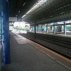 Photo taken at L1 Tren Ligero Estación Dermatológico by PARIS DE TROYA ,. on 3/19/2012